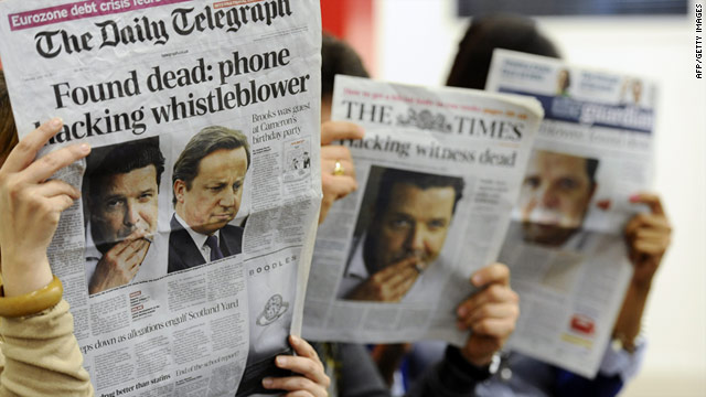 The death of former News of the World journalist Sean Hoare made front page headlines in England Tuesday.