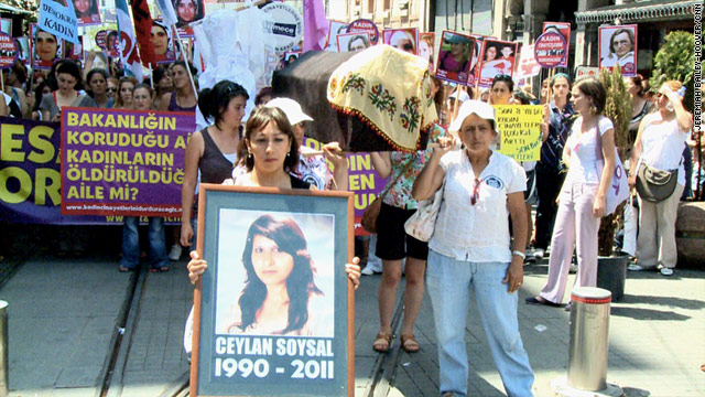 Demonstrators on Sunday urged the Turkish government to be more accountable for violence against women.
