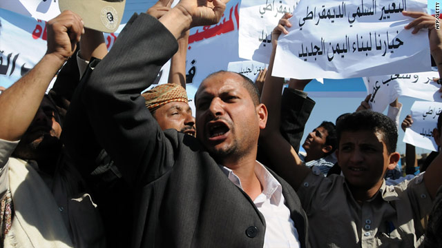 Hundreds of people marched though the streets of the Yemeni capital, Sanaa, in solidarity with Tunisian protesters.