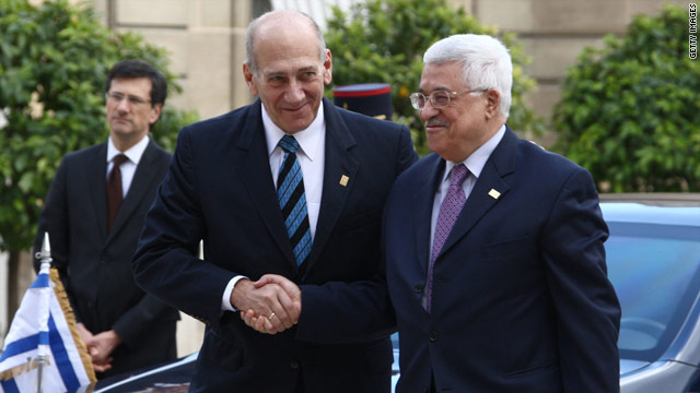 A former Israeli government official claims Ehud Olmert and Mahmoud Abbas almost reached a deal in 2008.