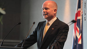 British Foreign Secretary Wlliam Hague on Sunday called for peaceful reform in Egypt.