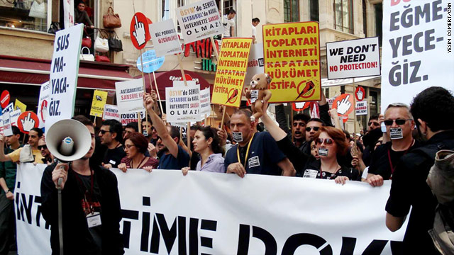 Thousands of Turks march Sunday in Istanbul to protest against Internet filtering regulations set to take effect in August.