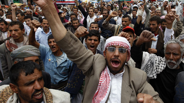 Anti-government protesters took to the streets of Sanaa on Saturday to call for the resignation of President Ali Abdullah Saleh