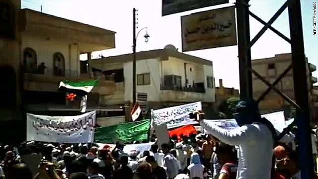 An image grab taken from YouTube shows Syrian anti-government demonstrators marching in Qamishli on August 26, 2011.