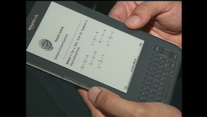 Florida school replaces text books with Kindles