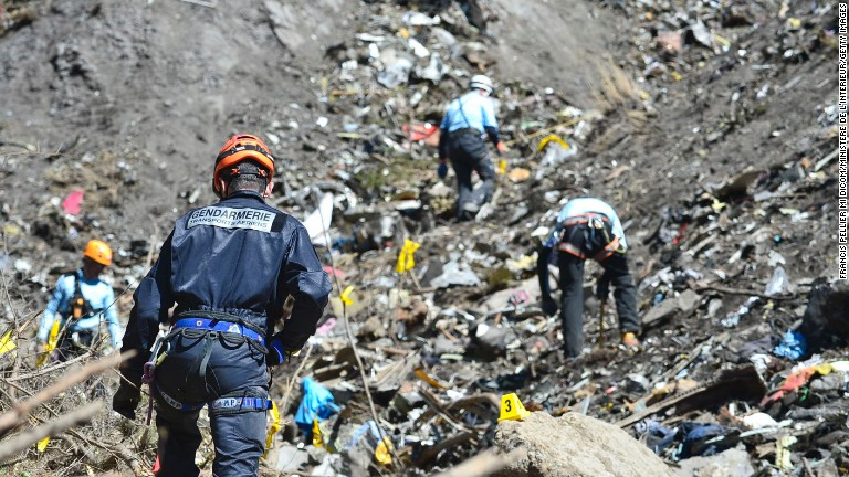 Investigators search Germanwings co-pilot's home