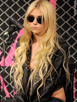 Taylor Momsen says what?