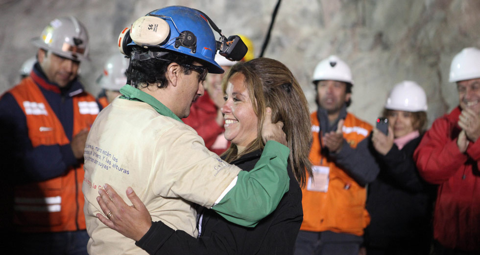 33 chilean miners trapped The world watched with bated breath as a two-month rescue operation to free  trapped chilean miners ended with all 33 being lifted to the.