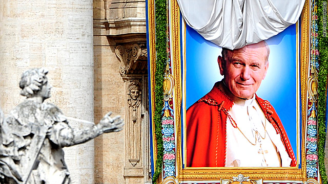 Crowds of faithful honor Pope John Paul II