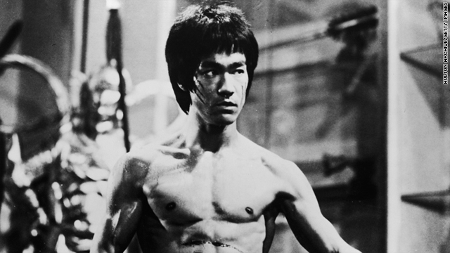 Bruce Lee memorabilia goes to auction