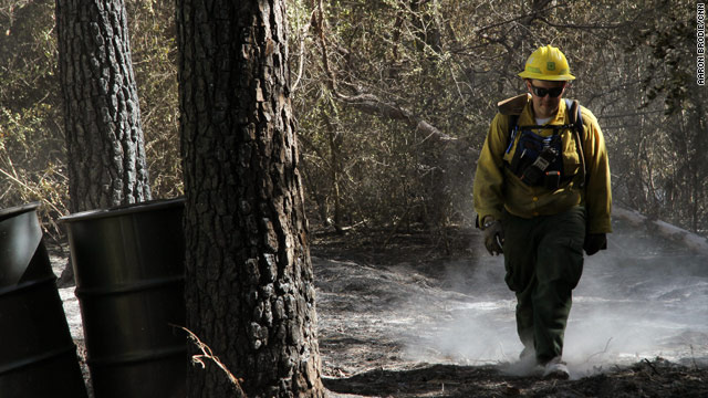 Deadly Texas wildfires rage