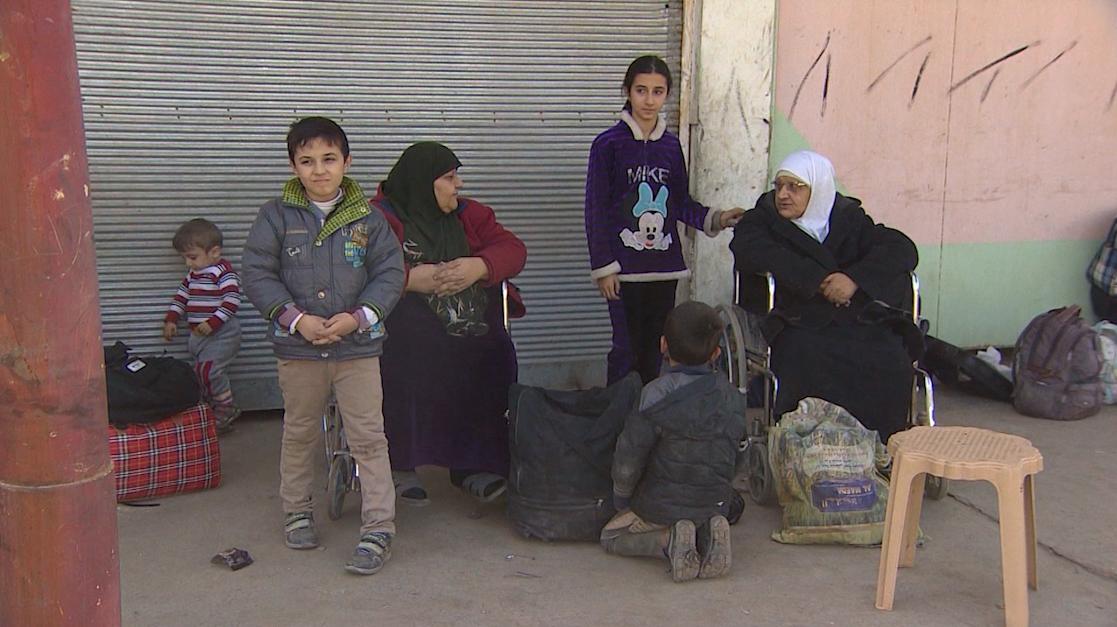 الركض بين طلقات النار.. هكذا هربت هذه السيدة من داعش - CNNArabic.com