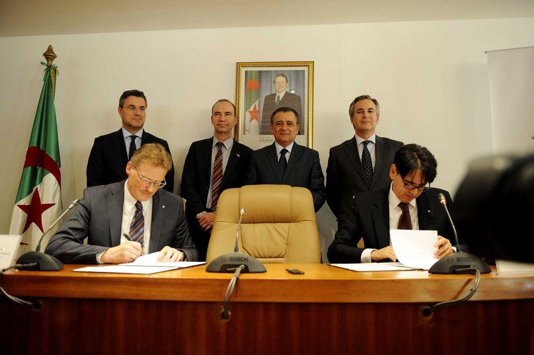 رسميًا.. فولكسفاغن توقع عقد إنشاء مصنع لها في الجزائر - CNNArabic.com