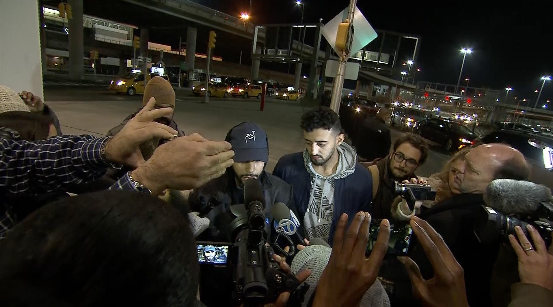 نجم يوتيوب مسلم لـCNN: طردوني من طائرة لتحدثي بالعربية - CNNArabic.com