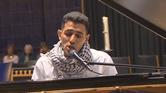 من تحت أنقاض اليرموك إلى عازف بيانو في ألمانيا