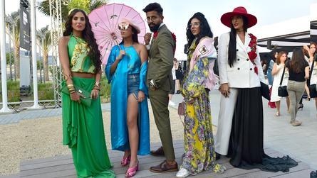 """أزياء الشارع """"Street Style""""..موضة """"صاعقة"""" في """"فاشن فورورد دبي"""""""