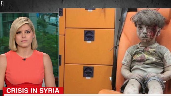 شاهد مذيعة CNN تبكي على الهواء بسبب عمران