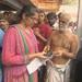 بالفيديو: معبد في الهند يجذب الآلاف.. صلاة وطواف من أجل تأشيرة سفر لأمريكا