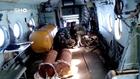 مشاهد بالفيديو من داخل مروحية ترمي البراميل المتفجرة في سوريا