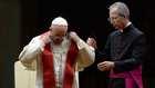 """إعفاء أسقف بولندي """"مثلي"""" من منصبه الديني بالفاتيكان"""