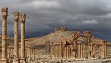 """مصادر سورية: """"داعش"""" يدمر قوس النصر الأثري في تدمر"""