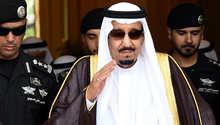 العاهل السعودي: التصريحات غير المسؤولة والاستغلال السياسي لحادثة منى لن يؤثر على دور المملكة.. ولن نسمح لأيد خفية بالعبث