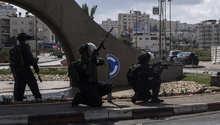 """نتنياهو يحمل عباس وحماس مسؤولية تصاعد أعمال العنف.. ويعالون يتعهد بـ""""ضرب الإرهاب بقبضة حديدية"""""""