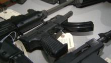 بالفيديو.. اتهام أطفال في بنسلفانيا بسرقة أكثر من 60 بندقية آلية