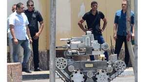 روبوت استخدمه خبراء المتفجرات في القاهرة لكشف العبوات الناسفة، بعد انفجار في 30 يونيو/ حزيران 2014 أدى لمقتل ضابطي شرطة
