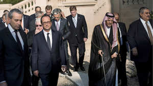 الرئيس الفرنسي وعدد من المشاركين في مؤتمر باريس لمكافحة الإرهاب وبينهم وزير الخارجية السعودي الأمير سعود الفيص