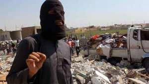 أحد مقاتلي داعش في مدينة الرقة السورية