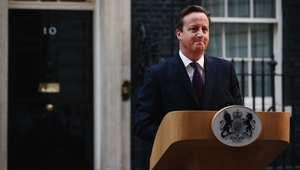 رئيس الوزراء البريطاني ديفيد كاميرون في مؤتمر صحفي أمام مقر حكومته في لندن، بعد إعلان نتائج الاستفتاء على استقلال اسكتلندا 19 سبتمبر/ أيلول 2014