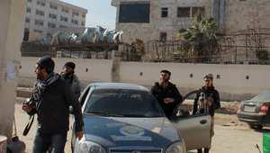 عناصر من داعش في مقر قيادته بحلب