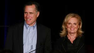 السيناتور الأمريكي ميت رومني وزوجته آن رومني، يتحدث في مناسبة للحزب الجمهوري في سان دييغو ، كاليفورنيا 16 يناير/ كانون الثاني 2015