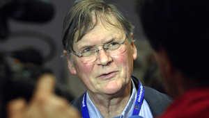 عالم بريطاني حائز على نوبل يستقيل بعد دعوته إلى