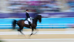 """هل تحب """"مراقصة"""" الخيول؟ إليك 5 قوانين للقيام بذلك"""