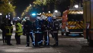 مسلح يحتجز رهائنا في عملية سطو تطورت في بلدة بشمال فرنسا