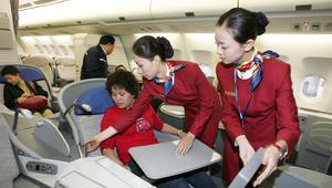 ما هو التصرف الأكثر إزعاجاً على متن الطائرة؟