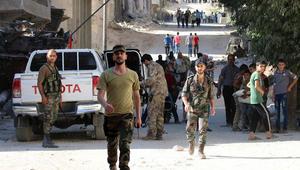 المرصد السوري: مقتل 16 طفلا في غارات على الأتارب.. والنظام: عشرات العائلات خرجت من شرق حلب
