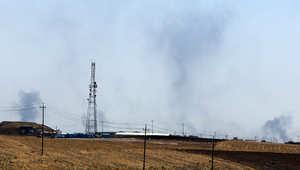 دخان يتصاعد من مناطق استهدفها القصف الأمريكي