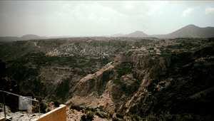 الجبل الأخضر.. من منطقة عسكرية إلى منتجع سياحي في الصحراء