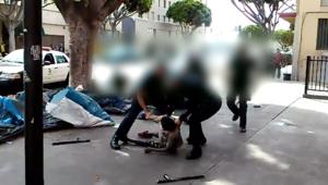 فيديو صادم.. شرطة لوس أنجلوس تطلق النار خمس مرات على شخص بعد صعقه