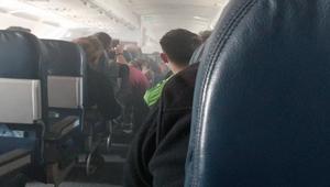 دخان في قمرة القيادة ورعب على متن طائرة أمريكية