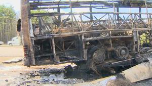 حافلة محترقة