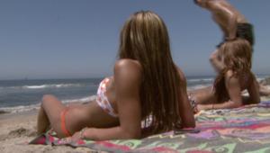 بالفيديو.. مع ارتفاع درجات الحرارة.. تعرف على أفضل الطرق للحماية من أشعة الشمس