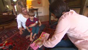 بالفيديو..  كيف نتعامل مع عسر الكلام عند الأطفال