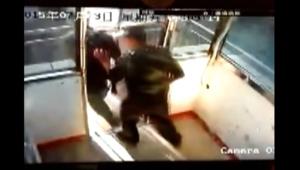 شاهد ردة فعل الصينيين على هزة أرضية سجلتها الكاميرات