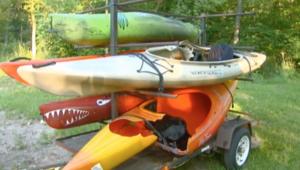 راكب زوارق مائية يصاب بمفرقعات نارية