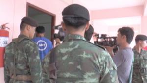 بالفيديو.. تفتيش الشرطة التايلندية للشقق بقضية تفجير بانكوك