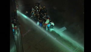اشتباكات بين الأمن اللبناني ومتظاهرين وسط هتافات